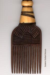 peigne camerounais contemporain de bafoussan